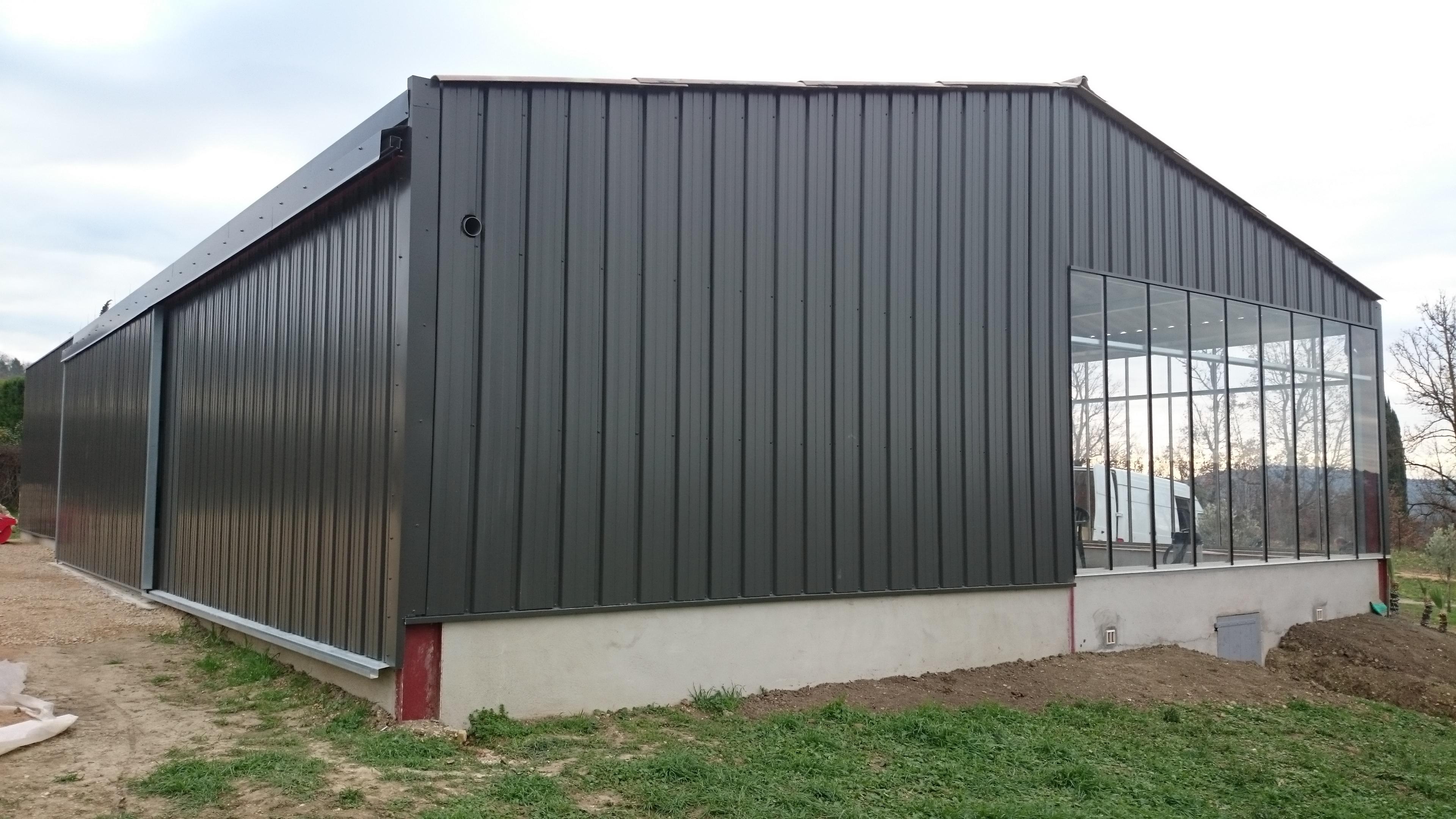Bac acier de couverture et bardage laqu s for Differente toiture maison